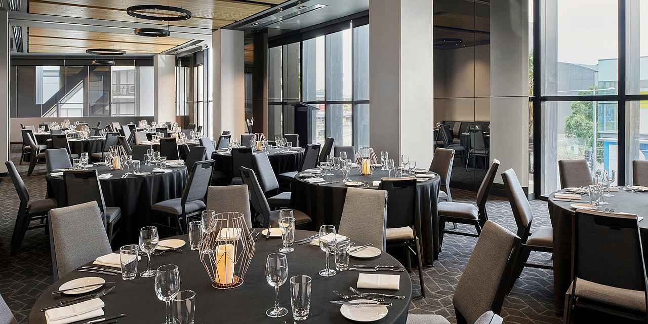 Four Points by Sheraton Melbourne Docklands Weddings