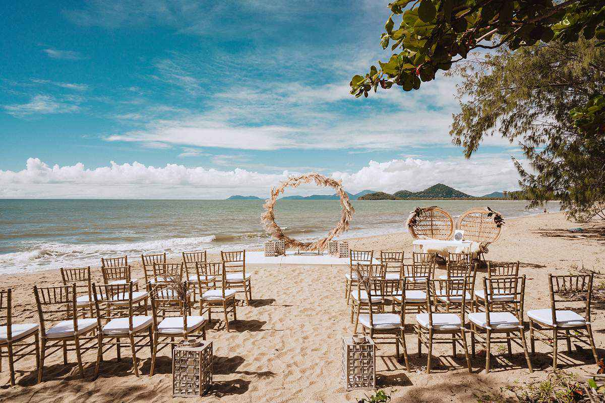 Pullman Palm Cove Sea Temple Resort & Spa Weddings