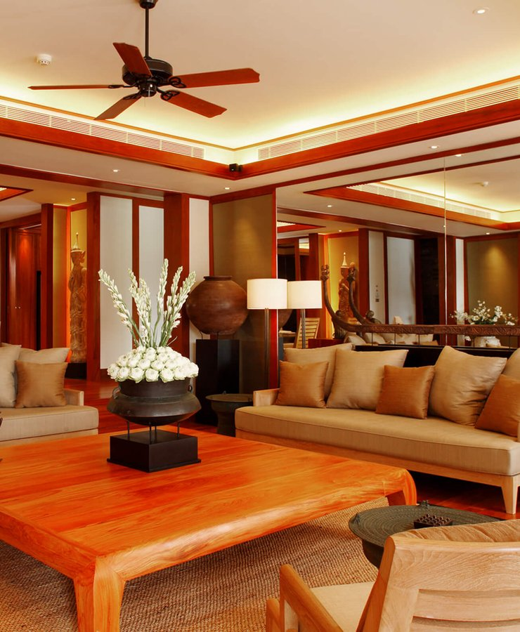 Pool Suite Penthouse - Living Room.jpg