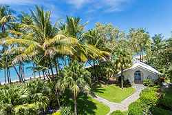 Beach Wedding Palm Cove - The Alamanda Wedding Chapel at Real Weddings
