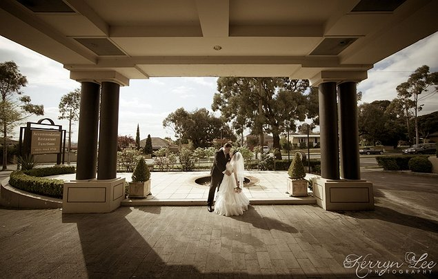 wedding venues in victoria real weddings. Black Bedroom Furniture Sets. Home Design Ideas
