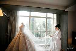 Wedding Dress at Pullman Hotel - Real Weddings