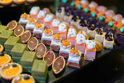 Desserts at Pullman Hotel - Real Weddings