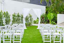 Outdoor Wedding Venue - Vibe Hotel at Real Weddings