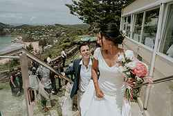 realweddings_eislers_nsw_jonahs restaurant_boutique_hotel_staircase