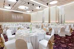 Elegant Wedding Setup - Pullman Hotel Bangkok at Real Weddings
